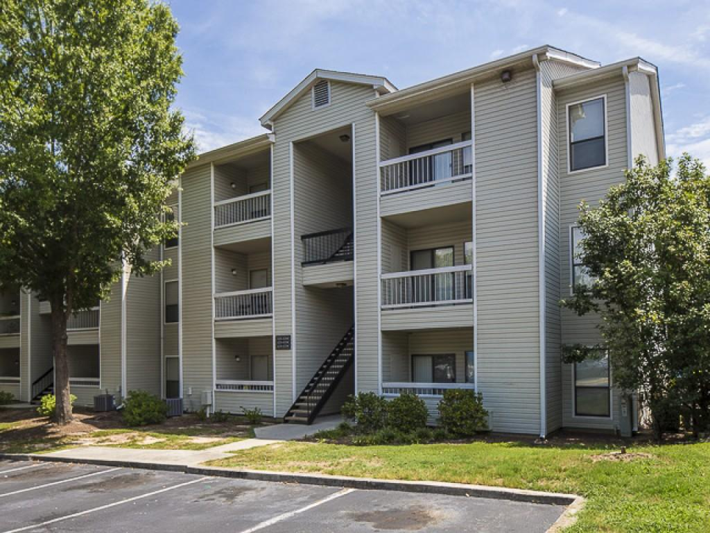 Landmark at pine court apartment homes apartments - Cheap one bedroom apartments in columbia sc ...