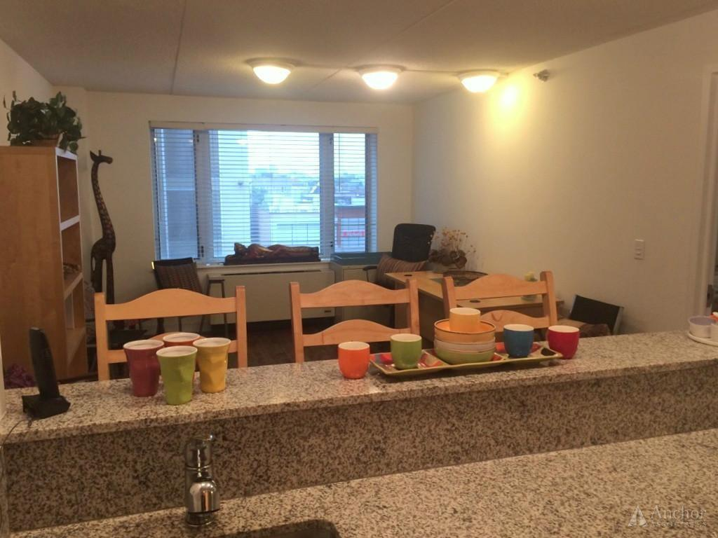 Move-in condition, One BR One BA. Parking Available! photo #1