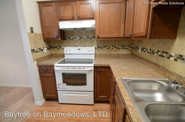 9701 Old Baymeadows Rd Apartments photo #1