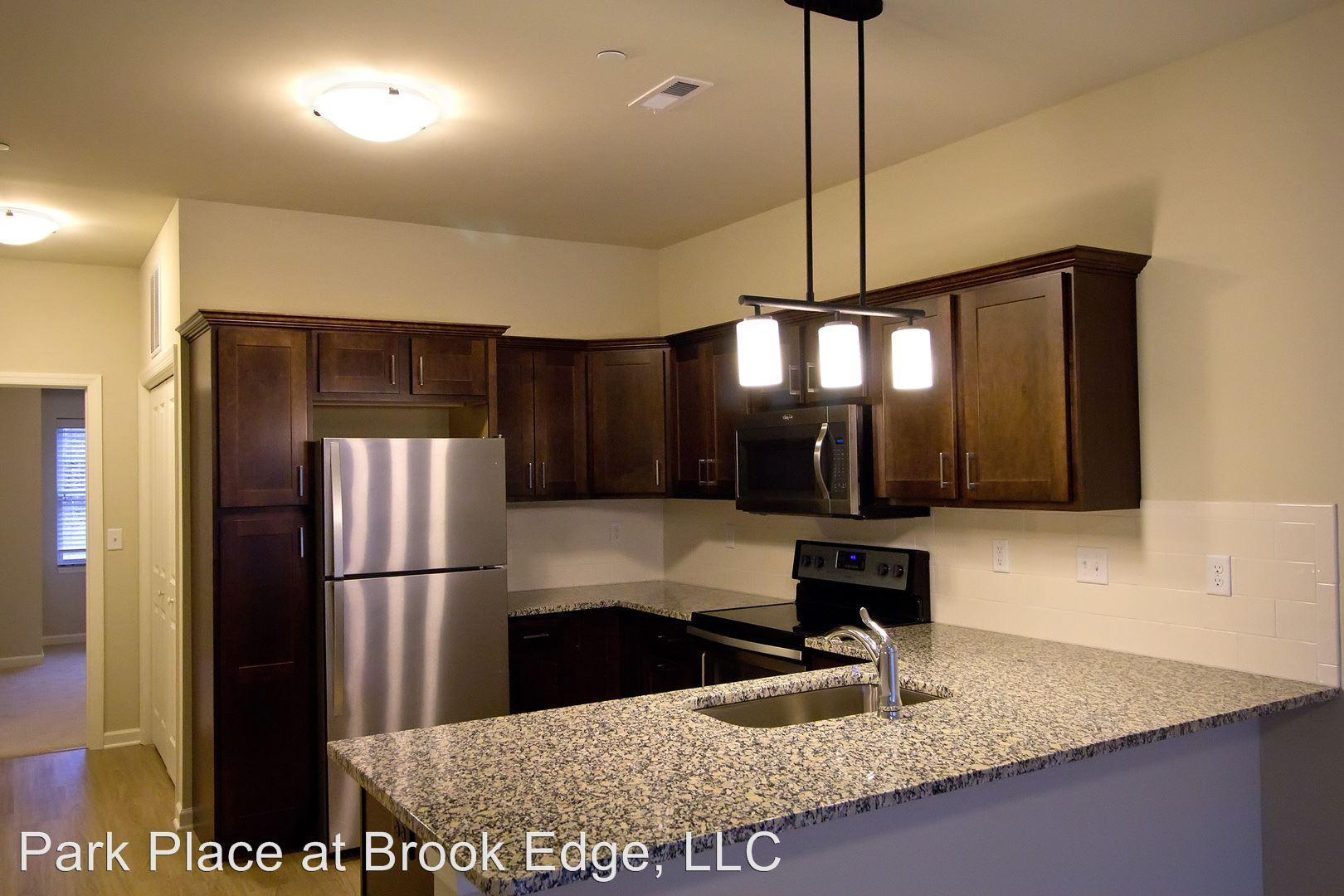 Park Place at Brook Edge 548 Campbell Ave Apartments photo #1