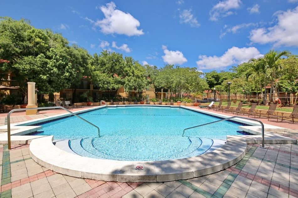 Imt Pinebrook Pointe Apartments Margate Fl