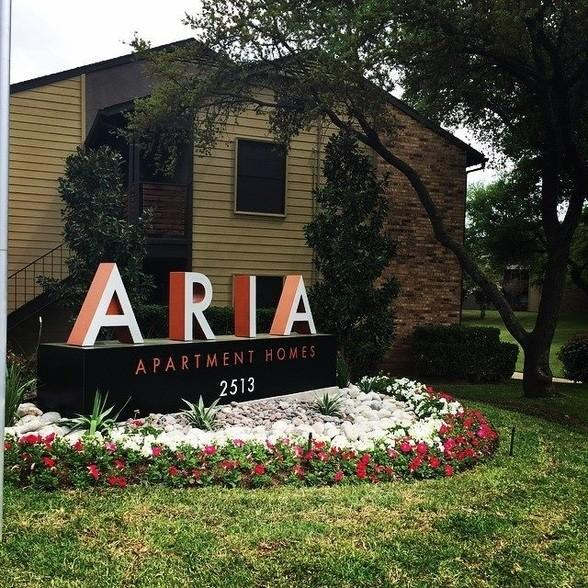 River Ranch Apartments: The Aria Apartments, Arlington TX