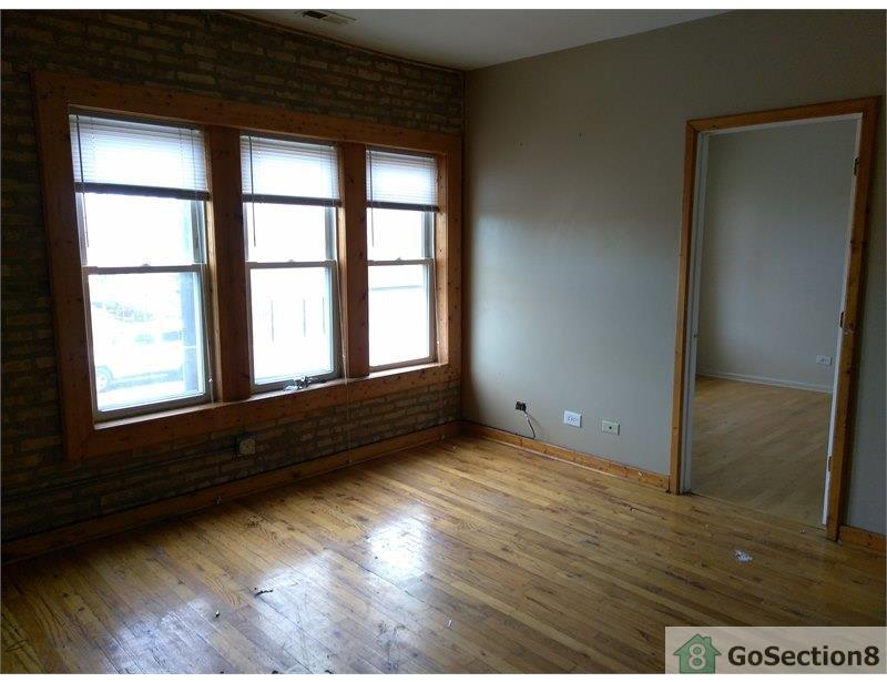 Great Two BR unit on W Humboldt Park! photo #1