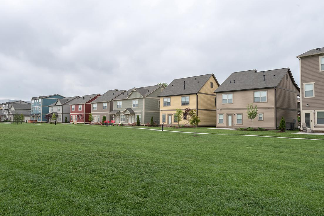 Retreat at Louisville (Student Housing) Apartments photo #1