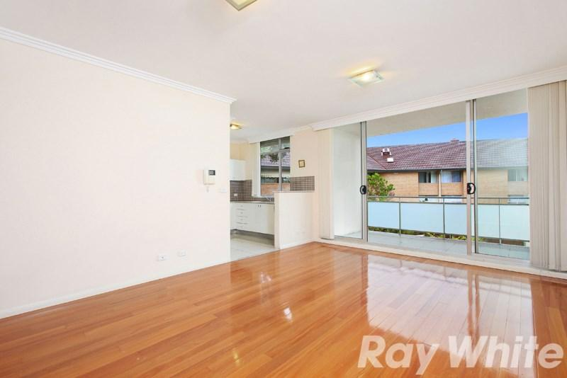 384 Illawarra Road photo #1