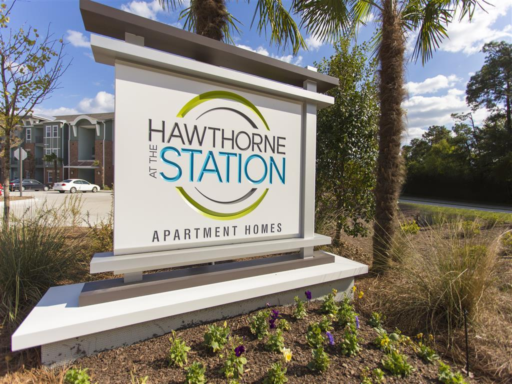 Hawthorne at the Station Apartments photo #1