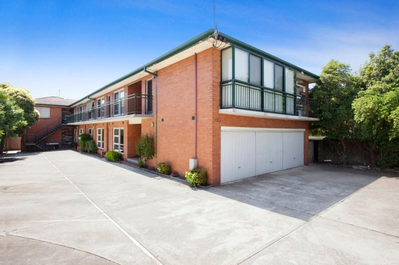 1403 Dandenong Road photo #1