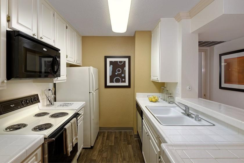 Toluca Hills Apts by Avalon Apartments photo #1