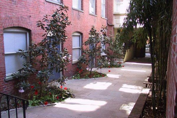 1720 Lombard st Apartments photo #1
