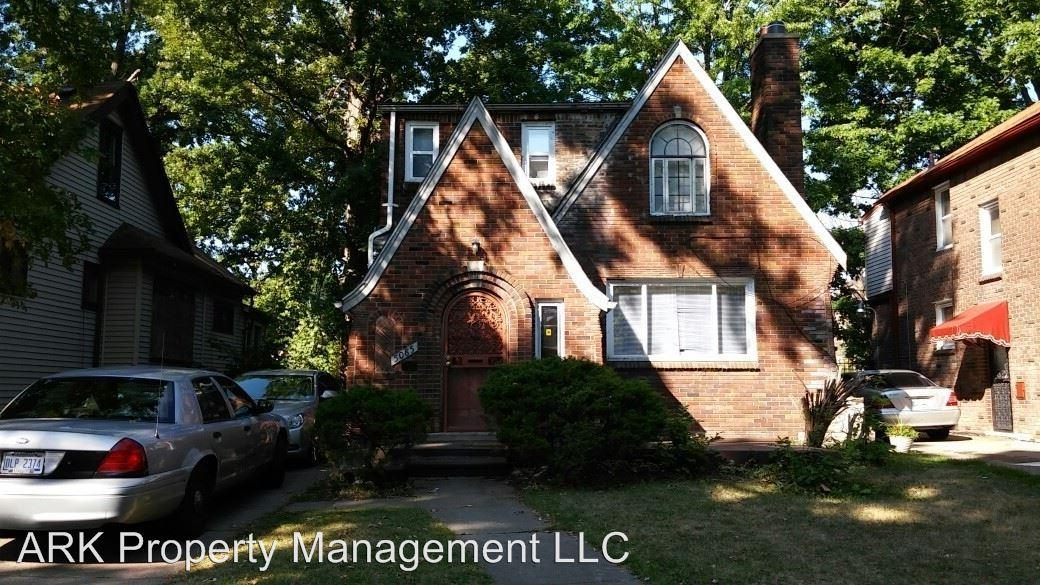 5085 Berkshire - 3 bedroom home On Detroit's East Side - This is a 3 bedroom, 1 and 1/2 bath home and it is now available for $850 a month