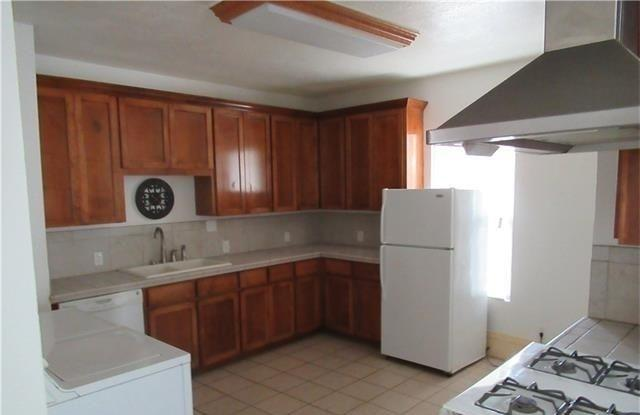 Convenient Location Three BR 2.50 BA For Rent. W...