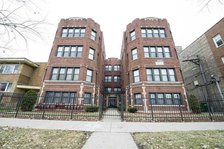 Pangea 7914 S Hermitage Auburn Gresham Apartments photo #1