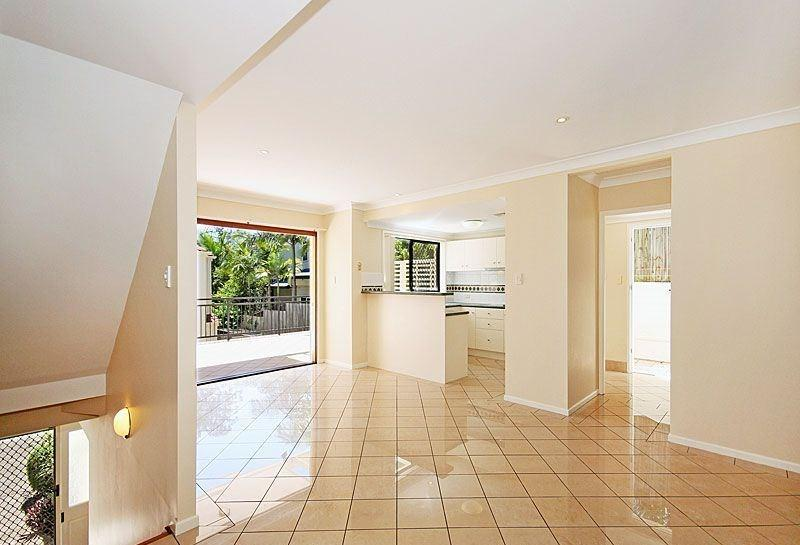 7 Indooroopilly Road photo #1