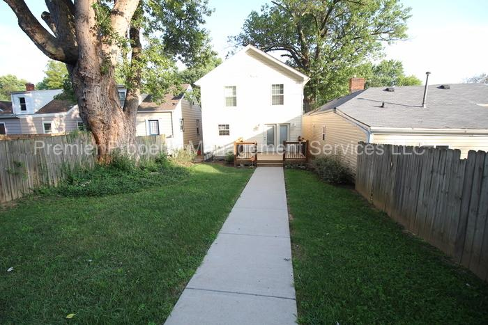 1,300 Sq. Ft. $1,500/mo Three BA - Ready To ...