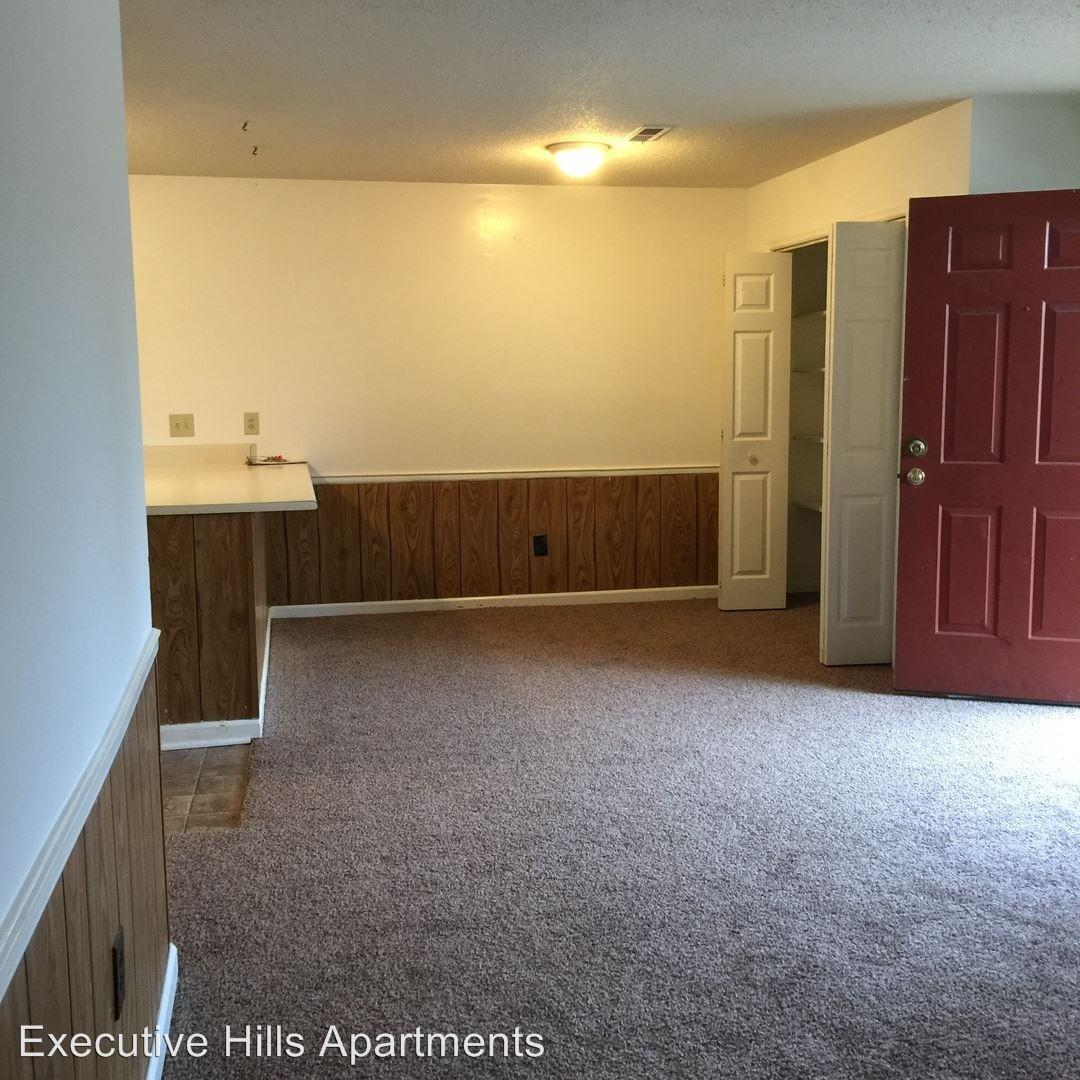 4421 Torrance Dr NW photo #1