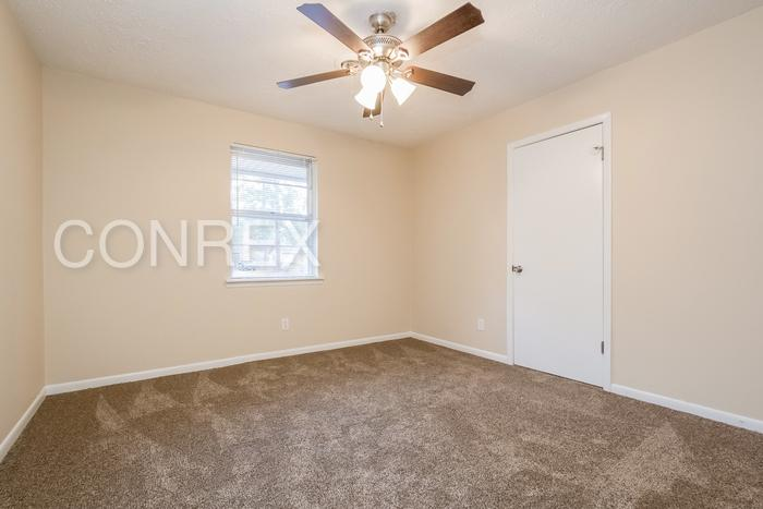 Three BR House - Large & Bright. Washer/Dryer Hookups!