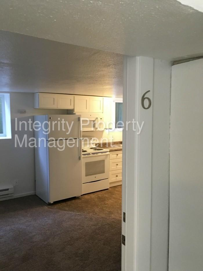 N Tacoma 1bdr apartment NEWLY REMODELED