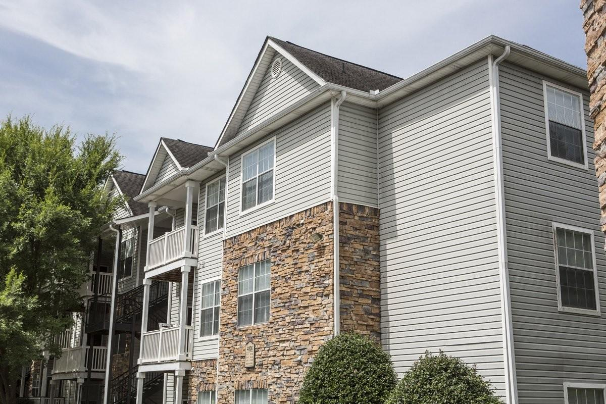 Parkway Grand Apartments photo #1
