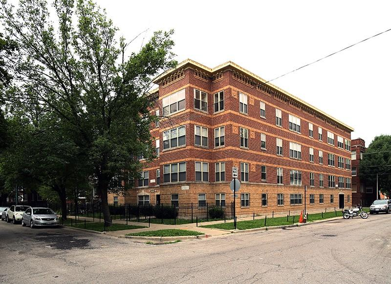 4654-56 N Monticello Ave. Apartments photo #1