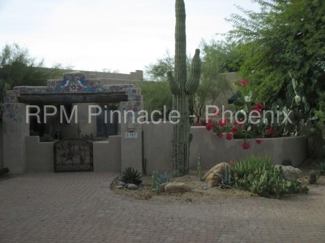 5307 East Dixileta Drive photo #1