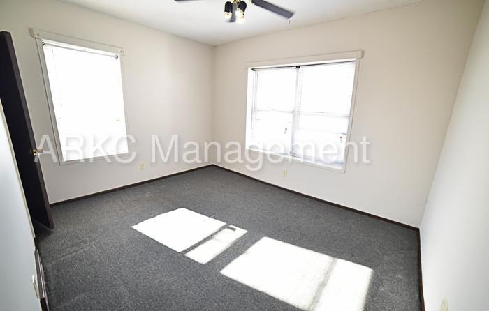 2 BD, 1 BA Available in History Midtown Area