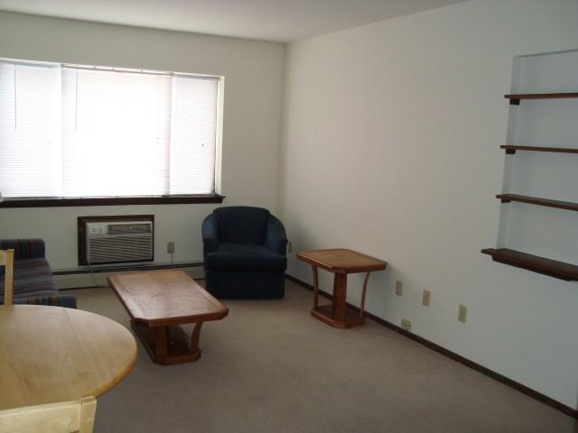 Studio apartment 2130 University Ave