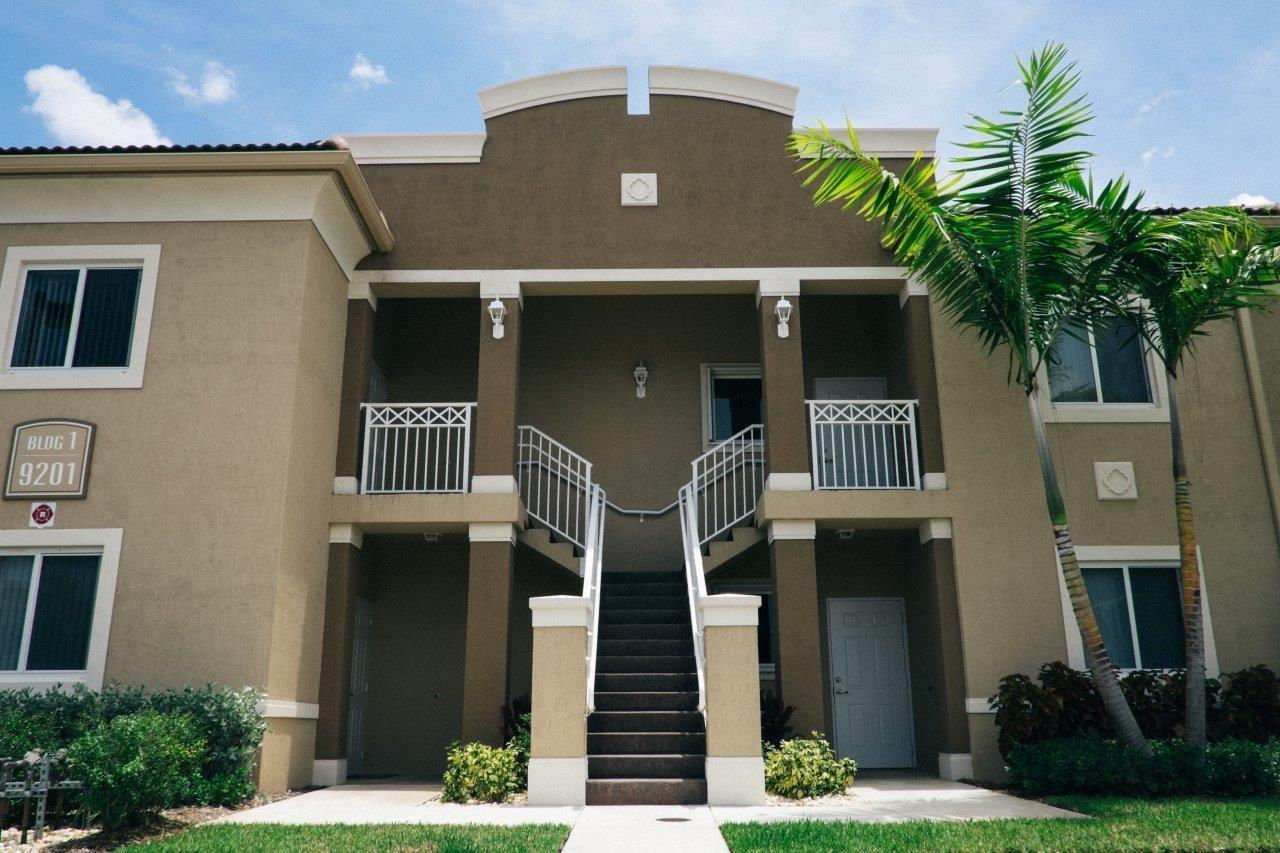 Villa vicenza coral palms apartment rentals hialeah - Efficiency for rent in miami gardens ...