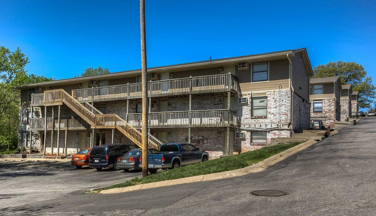 525 Stone Arch Drive Apartments photo #1