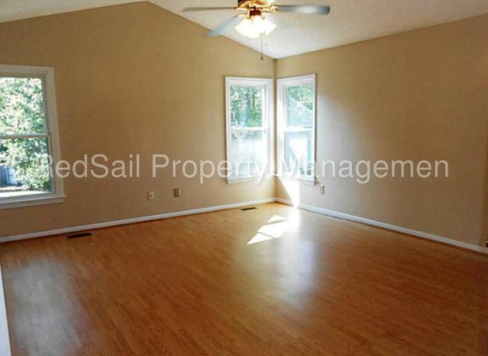 STOP!! Beautiful home in sought after Riverwalk!!