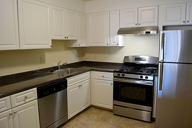 Quincy Commons Apartments photo #1