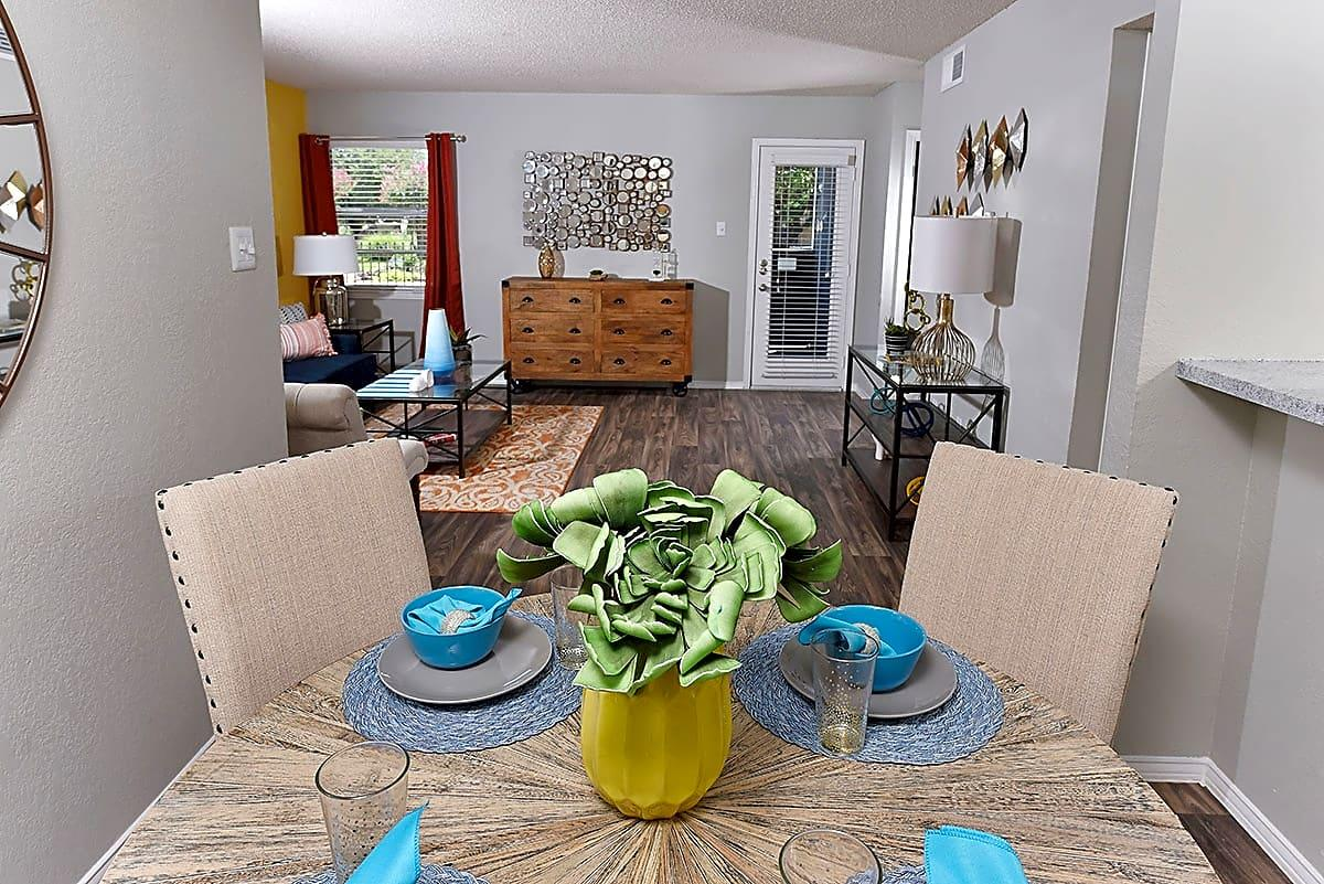 And offers a variety of features and amenities to choose from. Apartments photo #1