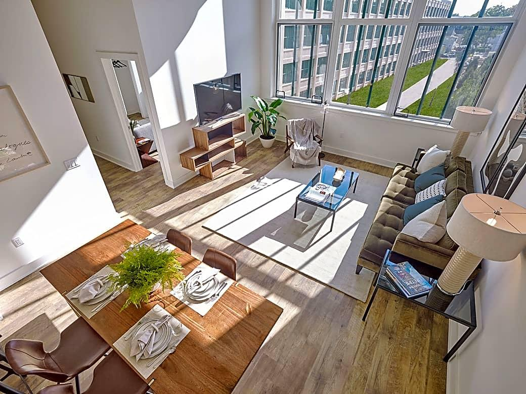 Two BR Apartment - Welcome to Edison Lofts. Gated parking! Apartments photo #1