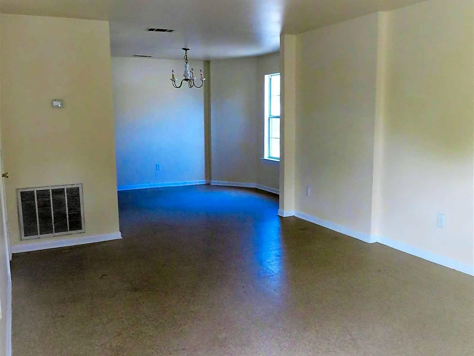 Baton Rouge, prime location Three BR, Apartment. Will Consider! Apartments photo #1