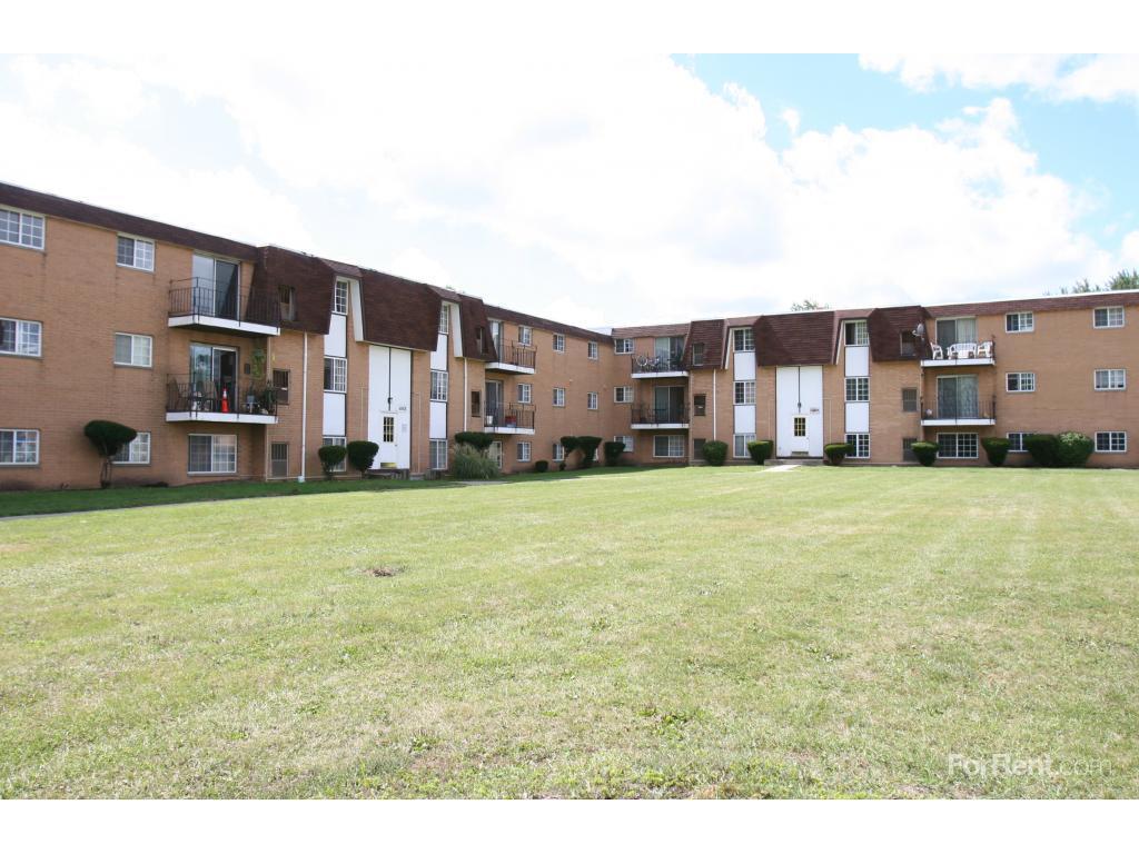 Lafayette Village Apartments Parma Ohio