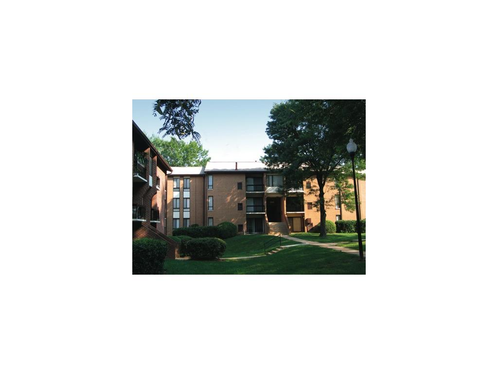 Carriage Hill Apartments photo #1