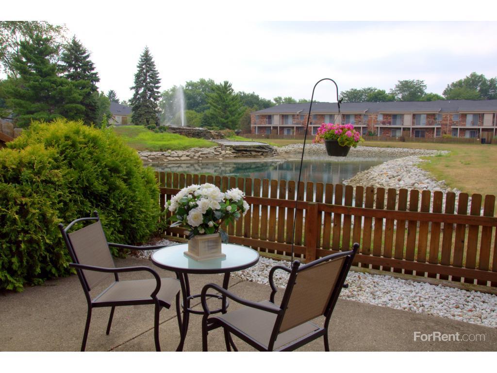 Meridian Lakes Apartments photo #1