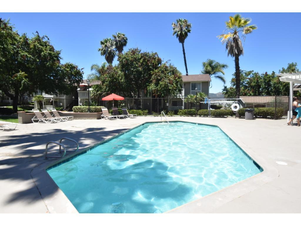 Somerset Apartments, Temecula CA - Walk Score