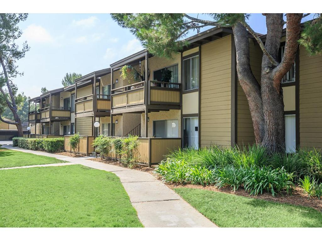 Birchwood village apartment homes apartments brea ca for Birchwood homes