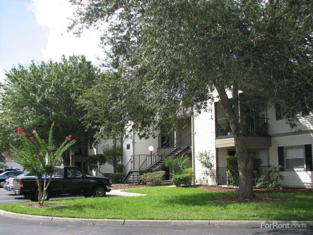 Crestwood Apartments In St Cloud Florida