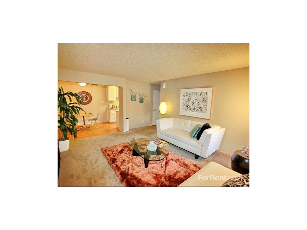 Rivercrest Apartments photo #1