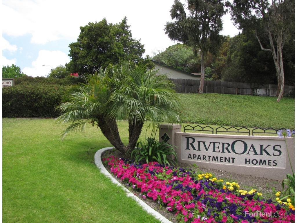 River Oaks Apartments photo #1