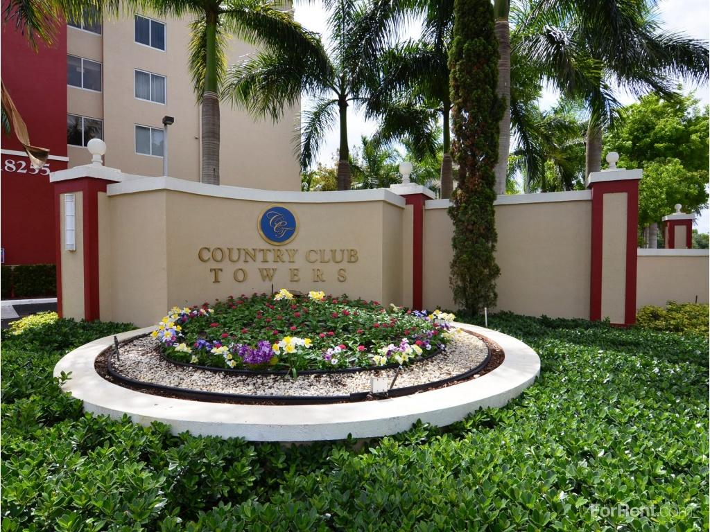 Country Club Towers Apartments photo #1