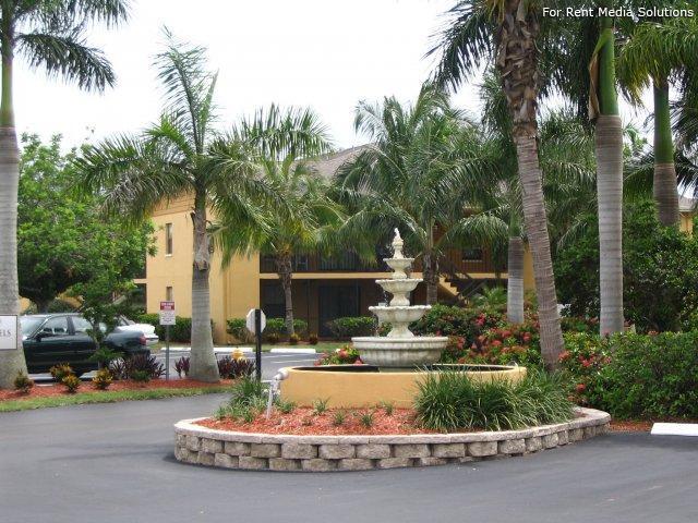 Mystic Gardens Apartments, Fort Myers FL - Walk Score