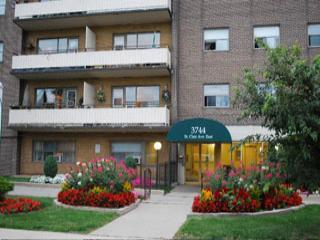 121, 131 Minerva Avenue, 3744 St. Clair Ave. E. photo #1