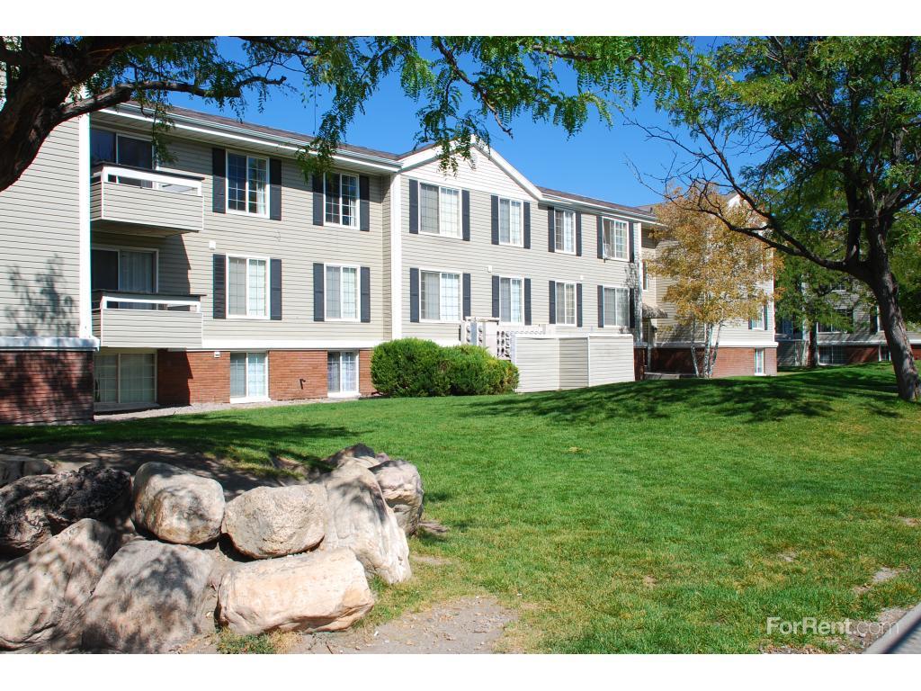 Solara Apartments photo #1
