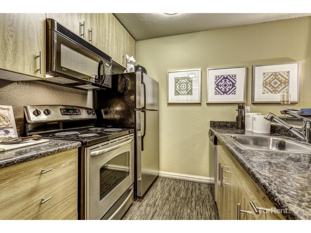 Vue Kirkland Apartments photo #1