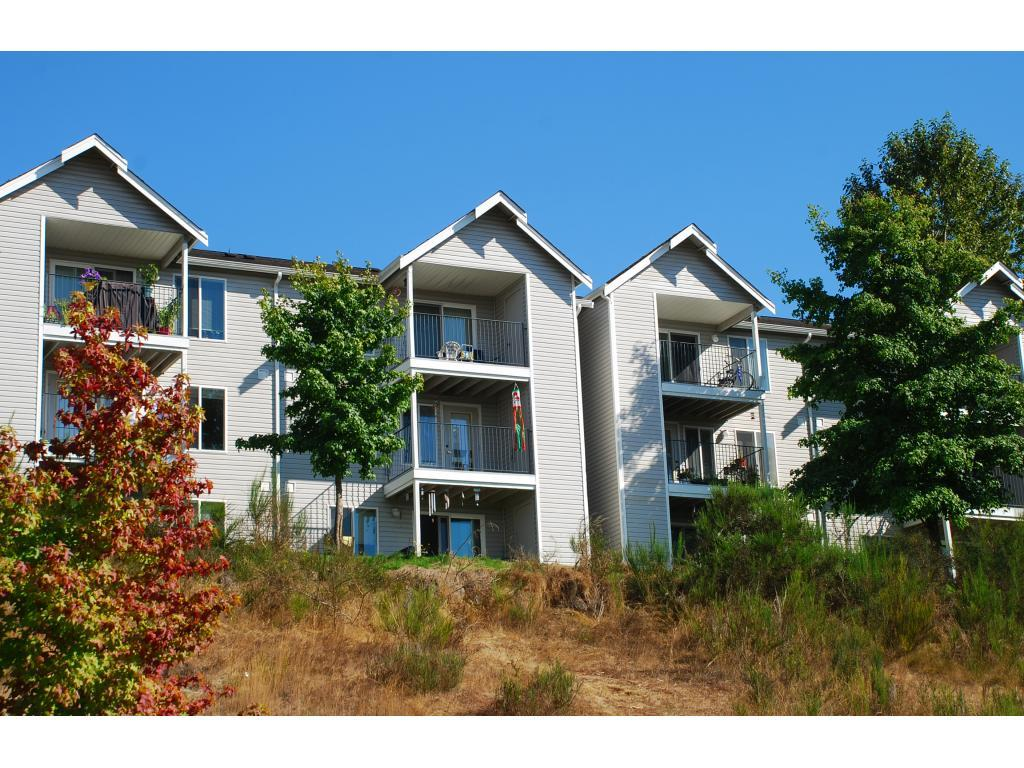 Olympic Pointe Apartments photo #1