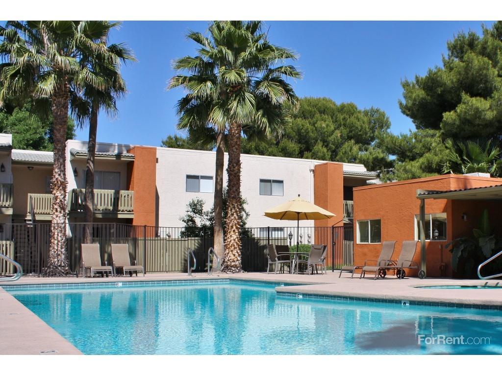 Pantano Villas Apartments photo #1