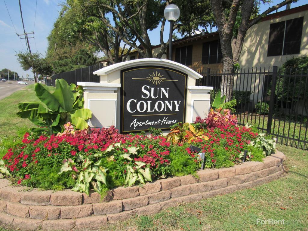 Sun Colony Apartments photo #1