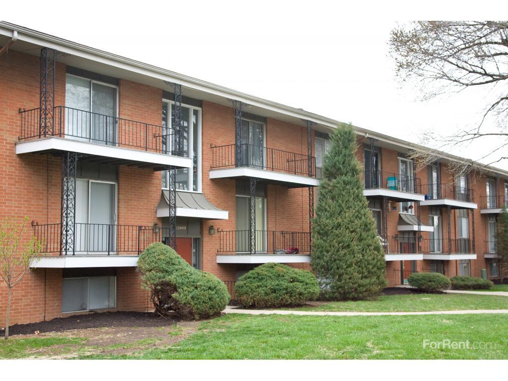 Crysler Garden Apartments photo #1